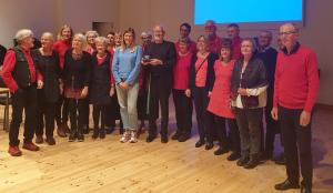 Kören med Beatrice Fihn och Nobelpriset